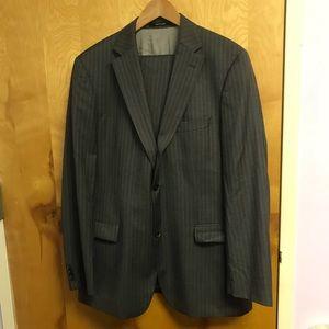 Hugo Boss grey subtle stripe jkt/pnt suit sz 44L